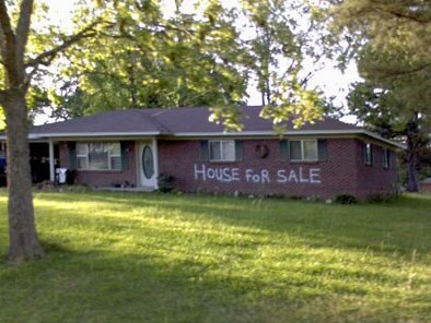 This house has poor curb appeal.