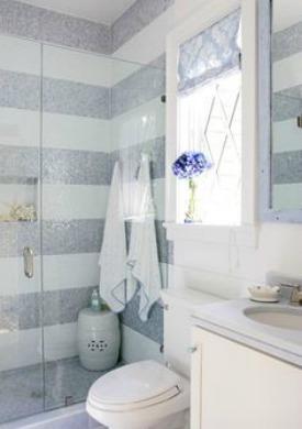 Bathroom with horizontal stripes