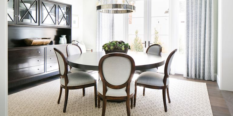 Dining room. Staging your furniture.