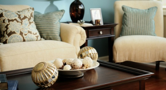 Living room with coffee table and end tables. Staging your furniture.