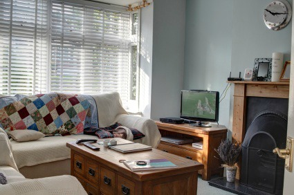 Cluttered living room interior design pictures