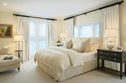Monotone interior colors for home staging